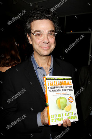Stock Picture of Stephen J Dubner (co-author of Freakonomics)