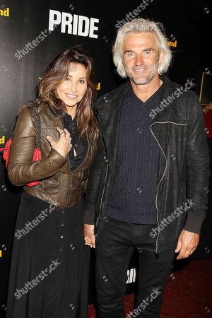 Stock Image of Gina Gershon and Bobby Dekeyser