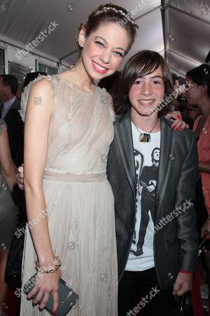 Analeigh Tipton and Jonah Bobo