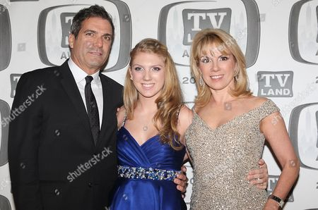 Ramona Singer, Mario Singer and daughter Avery