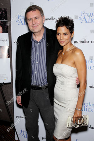 Stock Picture of Geoffrey Sax (Director), Halle Berry