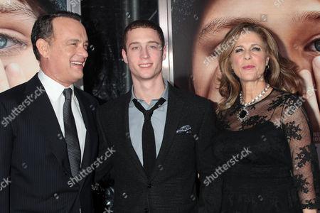 Tom Hanks, Chet Hanks (son) and Rita Wilson
