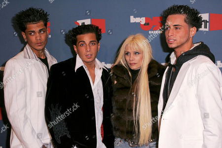 Editorial picture of VH1 BIG IN 05 AWARDS, LOS ANGELES, AMERICA - 03 DEC 2005