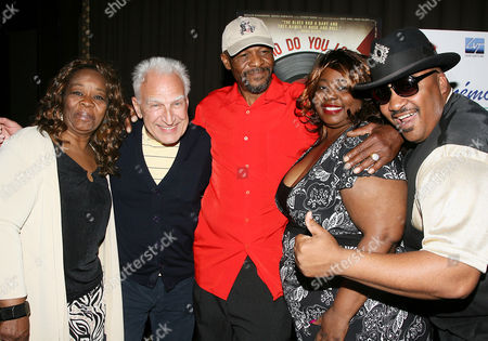 Stock Photo of Marshall Chess with Bo Diddley Family Members (L-R: Evelyn Kelly, Kristin McDaniels, Ellis McDaniels and Gary Mitchell)