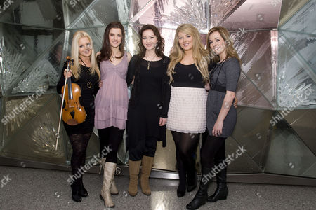 Celtic Woman - Mairead Nesbitt, Lynn Hilary, Alex Sharpe, Chloe Agnew and Lisa Kelly