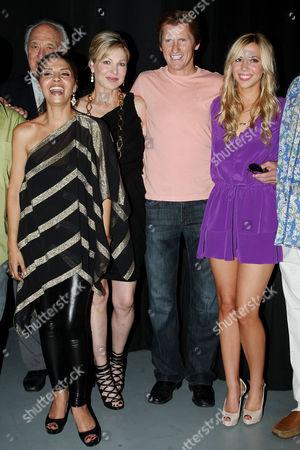 Callie Thorne, Tatum O'Neal, Denis Leary and Natalie Distler