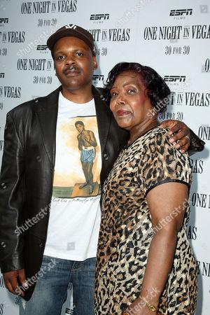 Reggie Rock Bythewood with mother Carole
