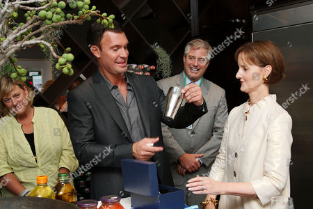 Stock Image of Jeff Lewis and Kate Kelly Smith (House Beautiful VP/Publisher)