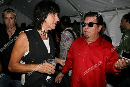 Jeff Beck and Cesar Rosas (Los Lobos)