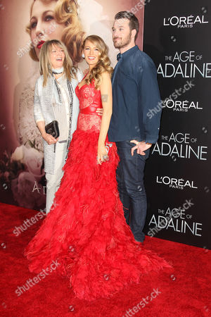 Stock Picture of Elaine Lively, Blake Lively and Eric Lively