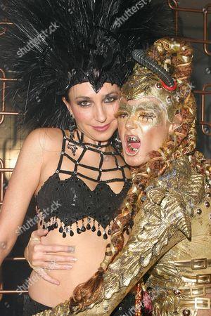 Monica Mitro with Heidi Klum (r)