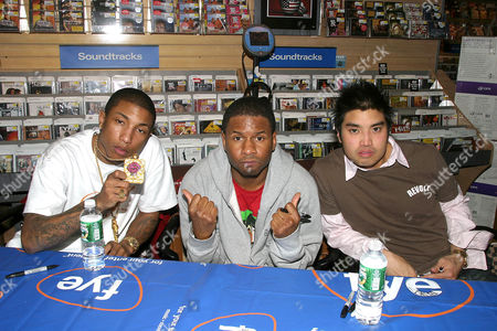 Editorial photo of NERD SIGNING COPIES OF THEIR NEW SINGLE 'SHE WANTS TO MOVE' FYI, NEW YORK, AMERICA - 23 MAR 2004