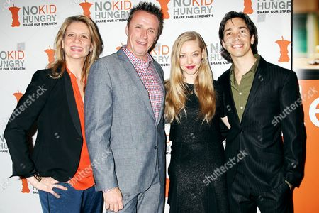 Amanda Freitag, Marc Murphy, Amanda Seyfried and Justin Long
