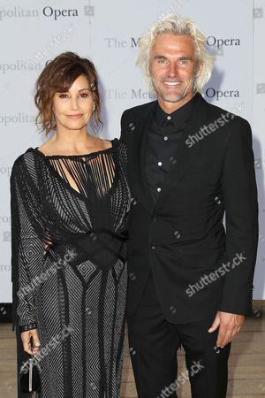 Stock Image of Gina Gershon and Robert Dekeyser