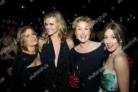 Kim Dickens, Missi Pyle, Carrie Coon, Lisa Banes