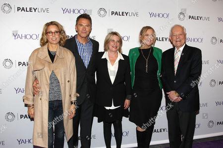 Tea Leoni, Tim Daly, Barbara Hall, Lori Mccreary and Bob Schieffer