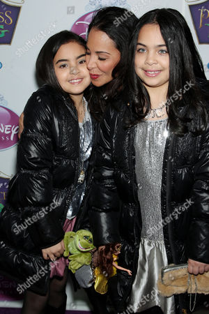 Stock Image of Joumana Kidd and duaghters Miah and Jazy