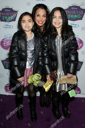 Joumana Kidd with daughters