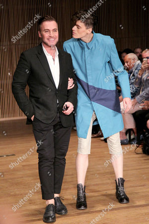 Loris Diran and Rain Dove on the catwalk