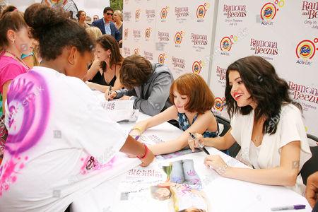Joey King and Selena Gomez