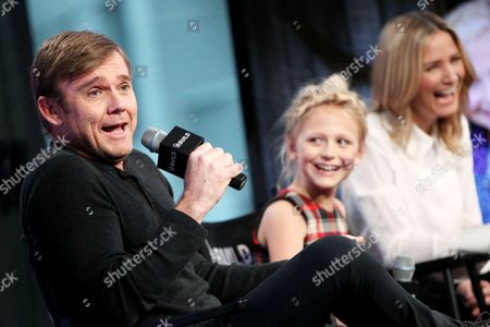 Rick Schroder, Alyvia Alyn Lind and Jennifer Nettles