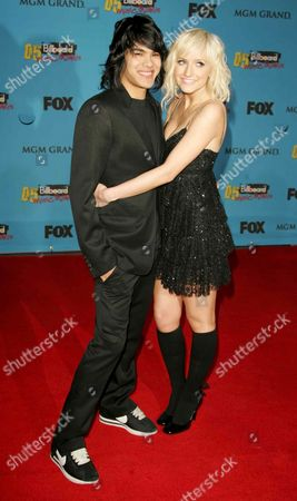 Stock Image of Ashlee Simpson and Braxton Olita