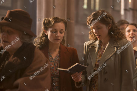 Rachel Hurd-Wood as Kate and Leila Mimmack as Laura