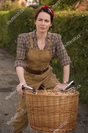 Clare Calbraith as Steph