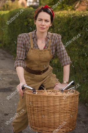 Clare Calbraith as Steph Farrow