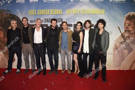 Alfonso Cuaron, Carlos Cuaron, Alex Garcia, Jonas Cuaron, Gael Garcia Bernal, Alondra Hidalgo, Mateo Garcia, Diego Catano