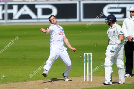Hampshire's James Tomlinson during the Specsavers County Champ Div 1 match between Hampshire County Cricket Club and Warwickshire County Cricket Club at the Ageas Bowl, Southampton