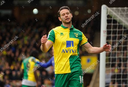Matt Jarvis of Norwich City reacts after failing to score during the Barclays Premier League match between Norwich City and Sunderland played at Carrow Road, Norwich on April 16th 2016