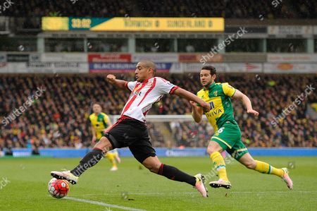Wahbi Khazri of Sunderland and Matt Jarvis of Norwich City during the Barclays Premier League match between Norwich City and Sunderland played at Carrow Road, Norwich on April 16th 2016