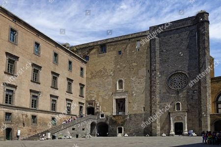 Courtyard, entrance to the Sala dei Baroni and Capella di Santa Barbara, Castel Nuovo, Naples, Campania, Italy