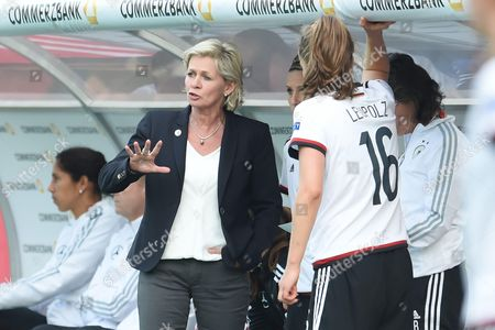 Trainerin Silvia Neid (Germany)