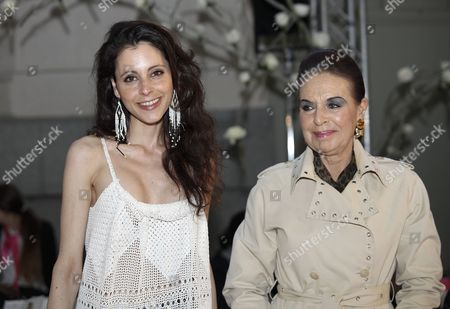 Yolanda Font (L) and her mother in the front row