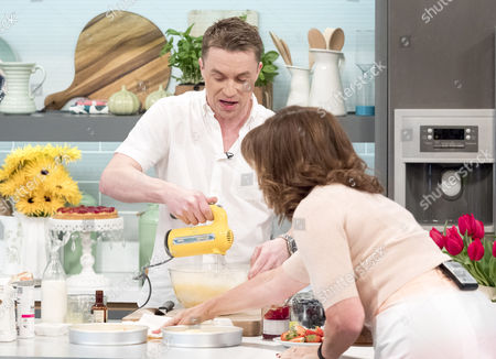 Stock Photo of James Tanner and Lorraine Kelly