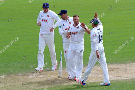Graham Napier (2nd R) celebrates the wicket of Richard Gleeson as Essex clinch victory during Essex CCC vs Northamptonshire CCC, Specsavers County Championship Division 2 Cricket at the Essex County Ground on 27th April 2016