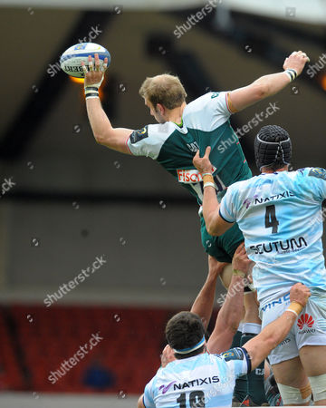 Leicester's Tom Croft wins a lineout from Racing 92's Luke Charteris (4)