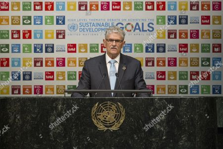 Assembly Debates Achieving Sustainable Development Goals  Mogens Lykketoft, President of the seventieth session of the General Assembly, addresses the opening of the AssemblyÕs High-level Thematic Debate on Achieving the Sustainable Development Goals