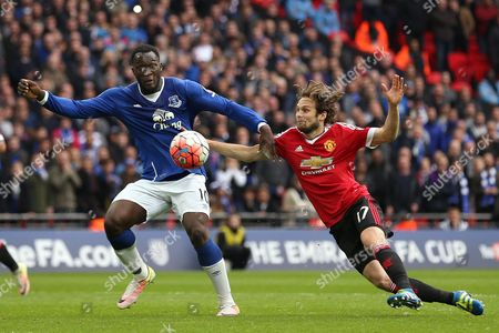 Romelu Lukaku of Everton battles with Daley Blind of Manchester United - Everton v Manchester United, The Emirates FA Cup Semi Final, Wembley Stadium, London. 23 April 2016 Picture by Richard Calver