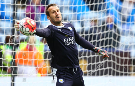 Leicester City goalkeeper Mark Schwarzer during the Barclays Premier League match between Leicester City and Swansea City played at The King Power Stadium, Leicester on 24th April 2016