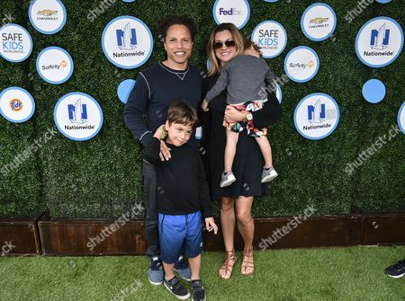 Cobi Jones, Kim Reese and children
