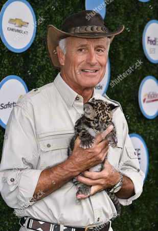 Jack Hanna and a Clouded leopard