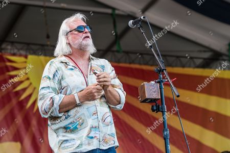 Stock Photo of Voice of the Wetlands All-Stars - Johnny Sansone