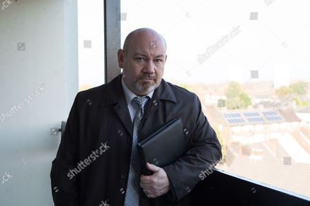 Stock Picture of Tony Mooney as DC Pete Readyough