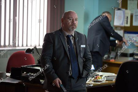 Stock Photo of Tony Mooney as DC Pete Readyough