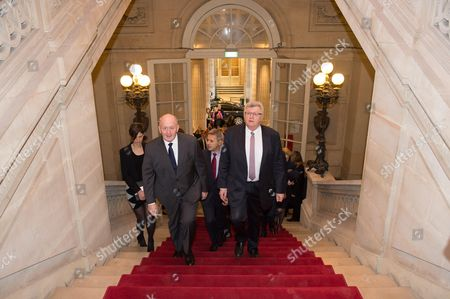 Sir Peter Cosgrove, with French Budget Minister, Christian Eckert