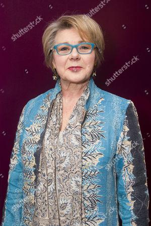 Barbara Flynn (Carrie)
