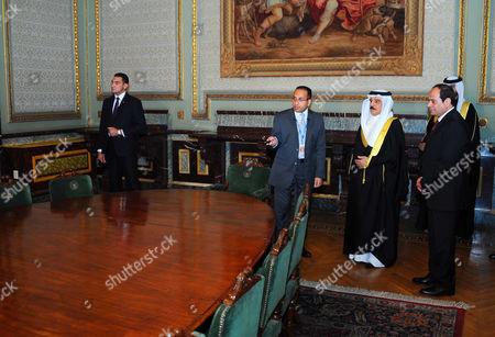 Egyptian President Abdel Fattah al-Sisi with Bahrain's King Hamad bin Issa al-Khalifa at the Abdeen Palace